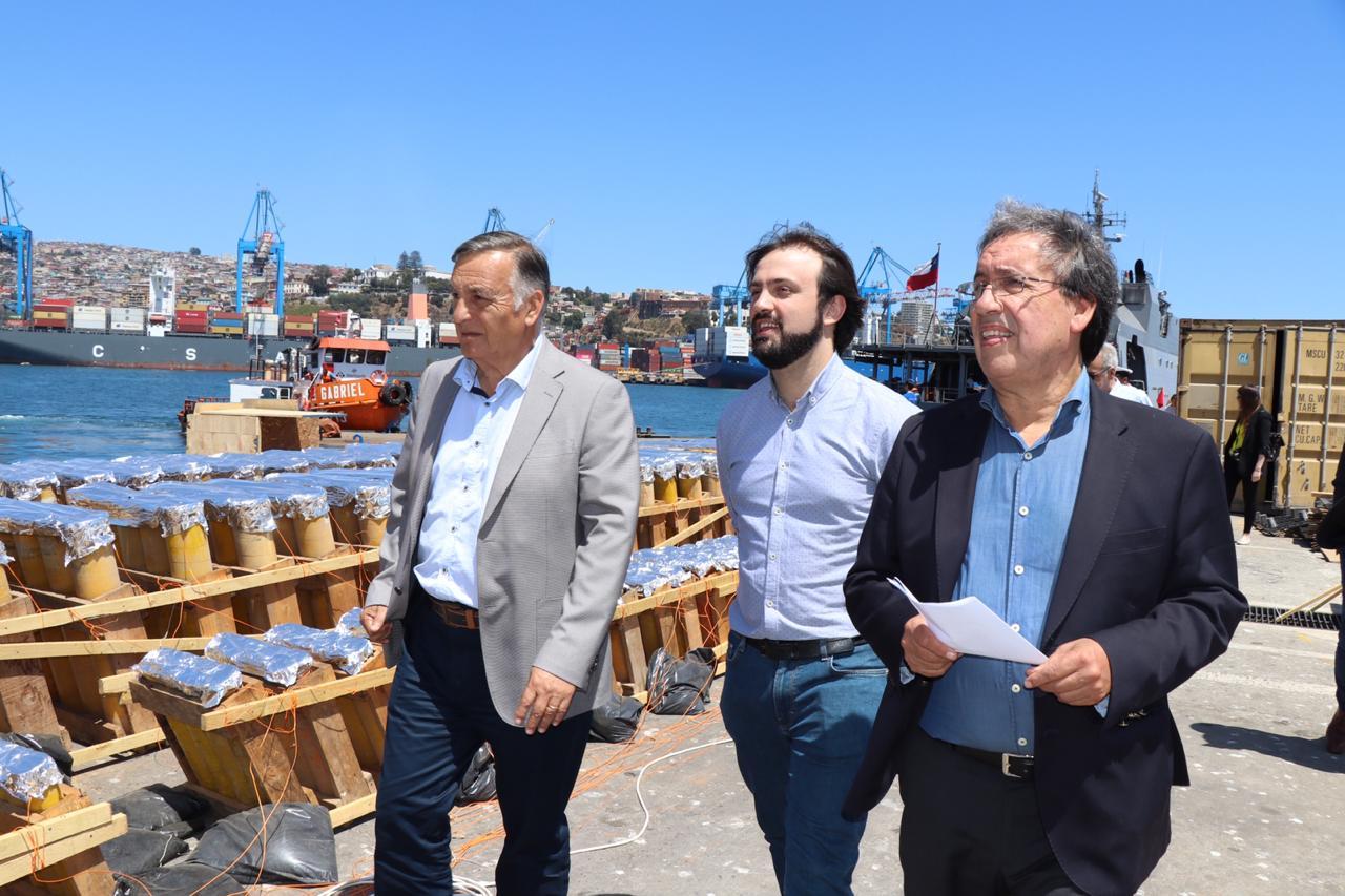 Alcalde De Concon Visito La Instalacion De Fuegos Artificiales Para